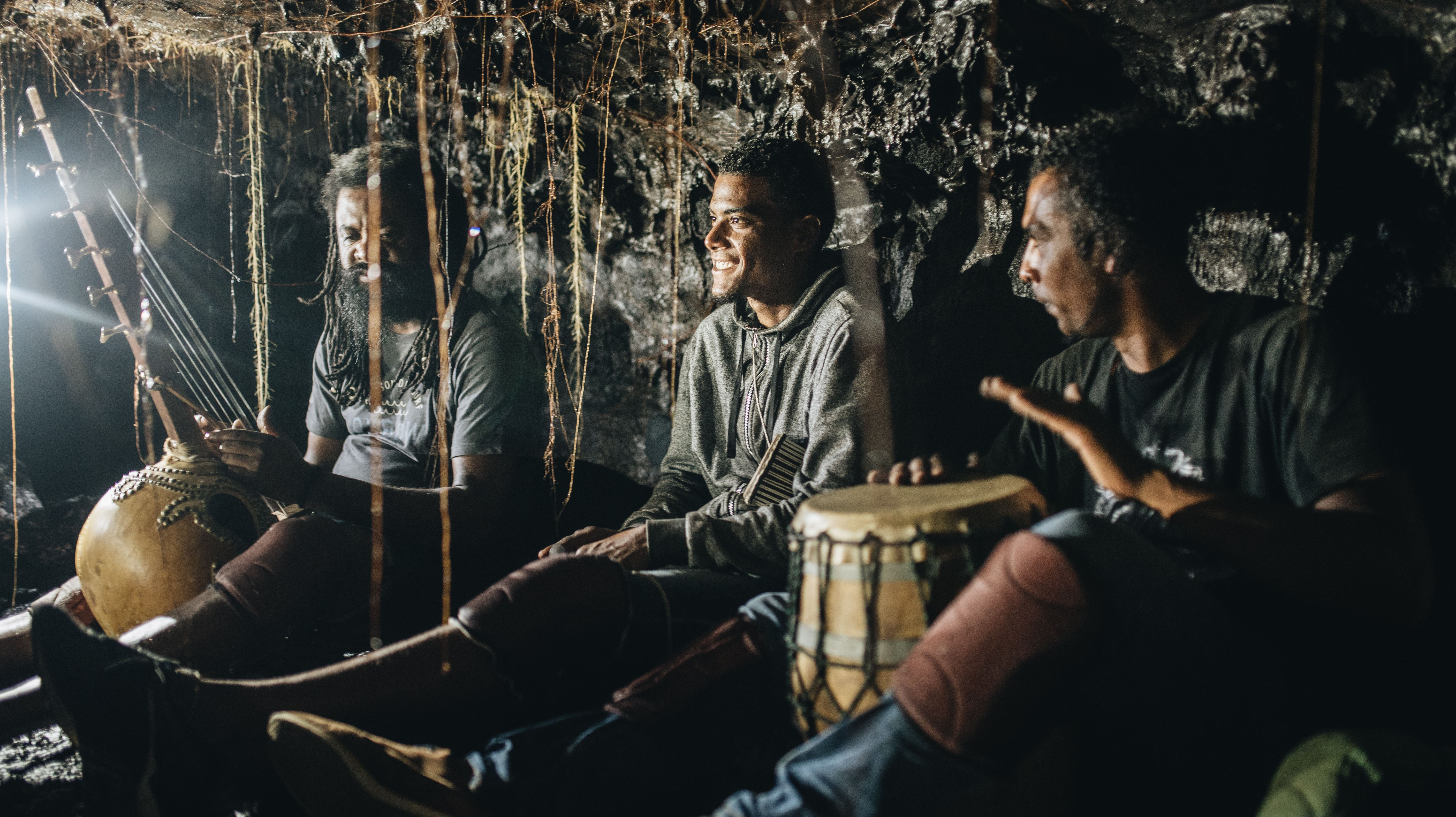 Herzklopfen / Höhlenkunde mit Musik mit Julien DEZ: