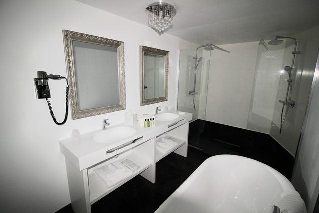 © Hotel_BELFRY_Lourdes, HPH148 - Hôtel moderne et contemporain au cœur de Lourdes
