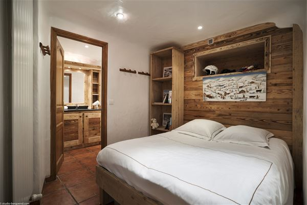 6 rooms 10 people / Saint Christophe (Mountain of Charm)