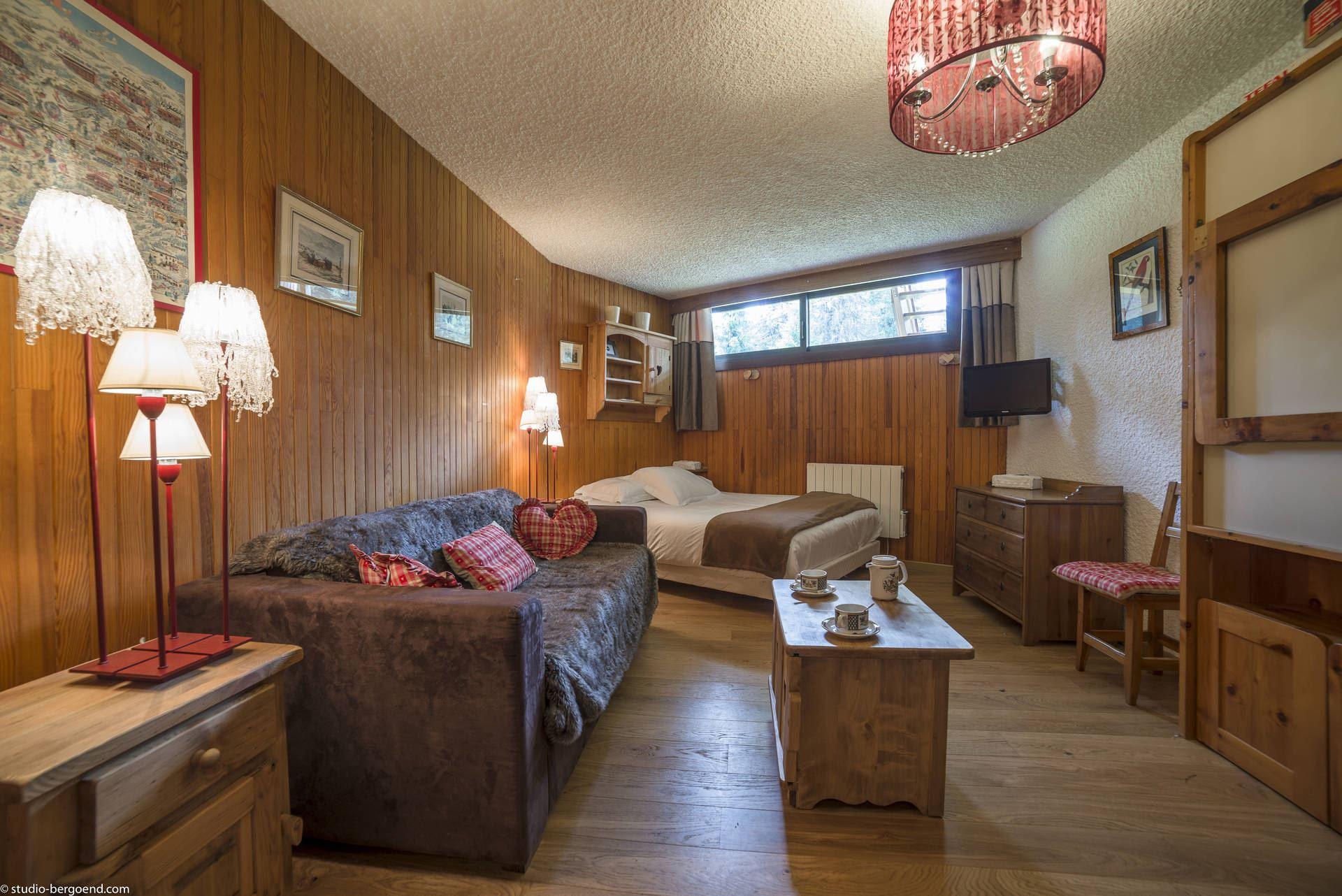 1 studio 4 persons, ski-in ski-out / Domaine du Jardin Alpin 6B (Mountain)