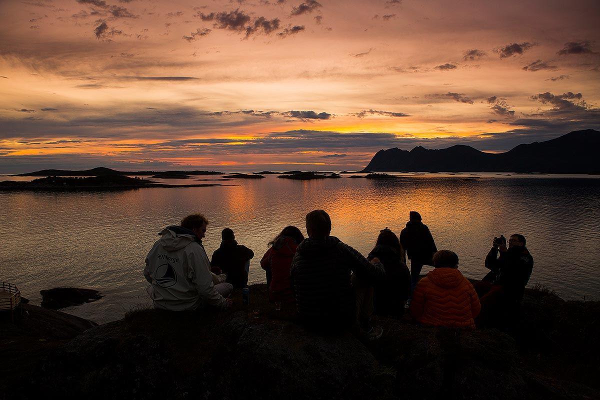 © Mats Grimsæth/SeilNorge, Rugged nature and wildlife in Arctic Norway - sailing through Lofoten, Vesterålen and Senja