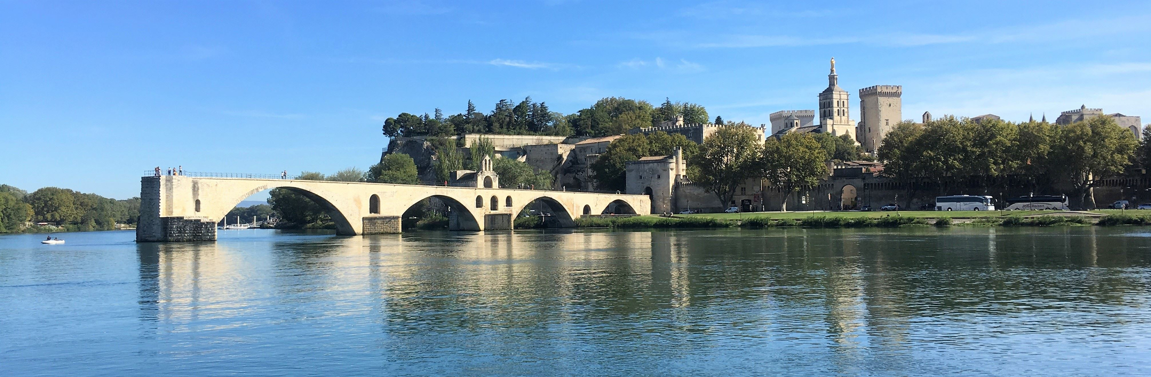 Visit of the Saint Bénezet bridge