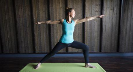 Yoga med fjällutsikt