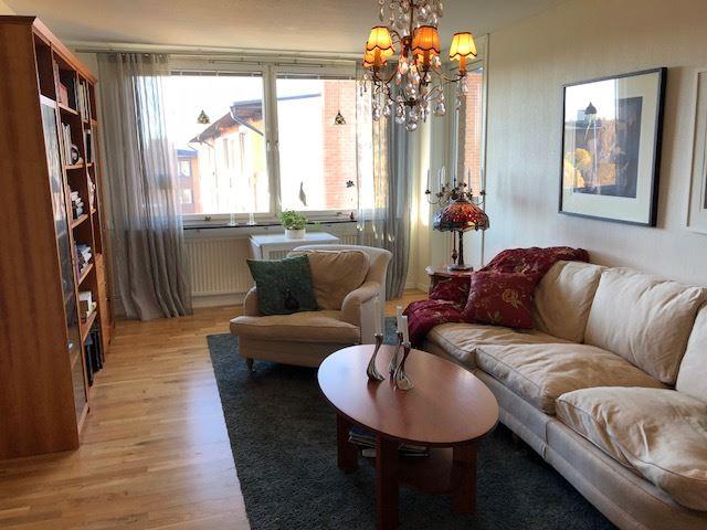 HL138 Rymlig lägenhet på Körfältet