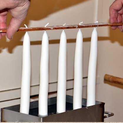 Ljusstöpning, julpyssel och fikaservering