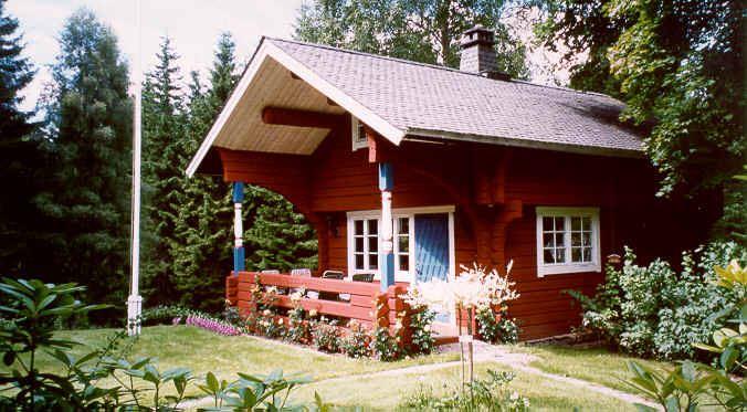 BFS043 Nackeloftet - timberhouse near lake.