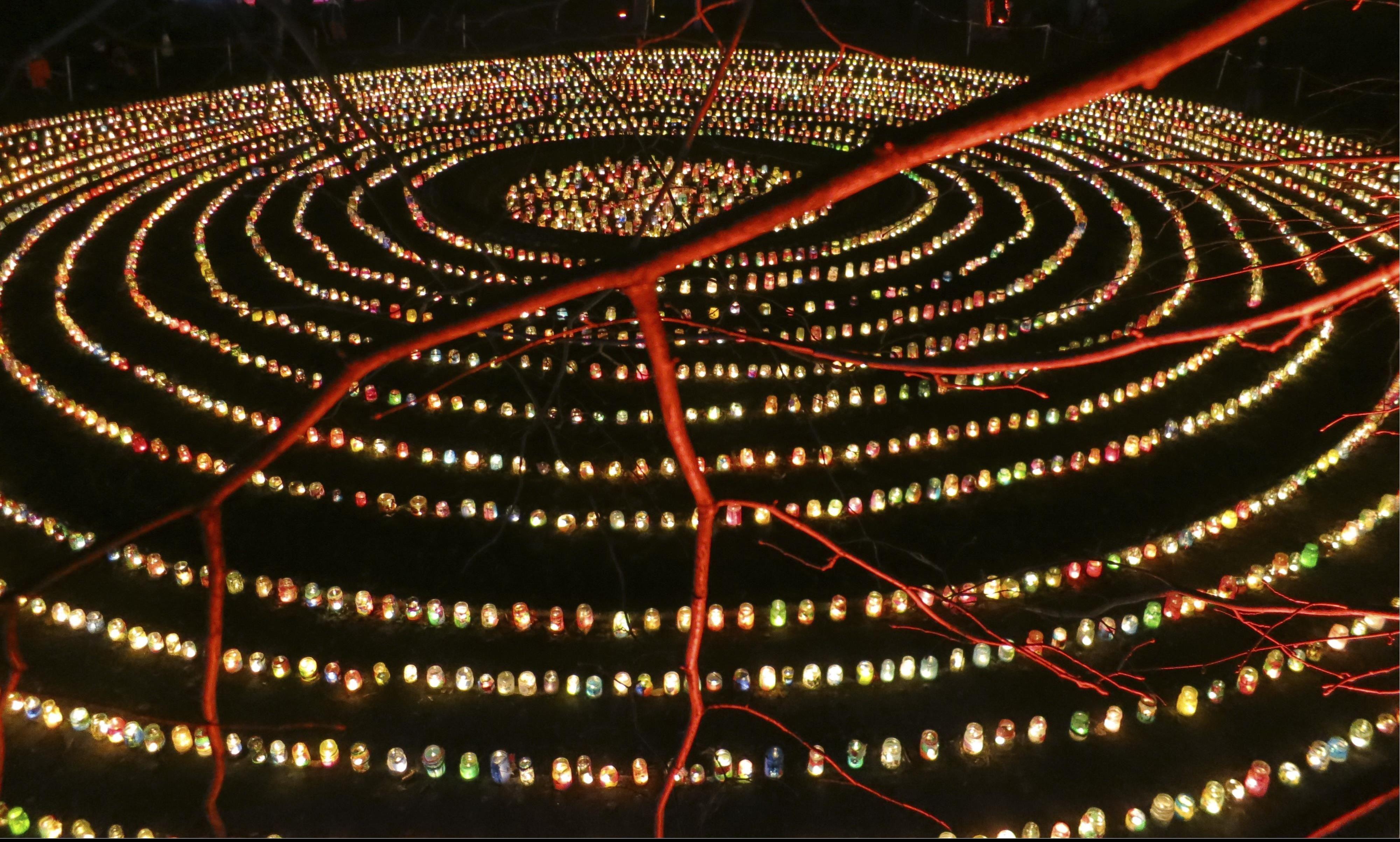 Tausende von Laternen