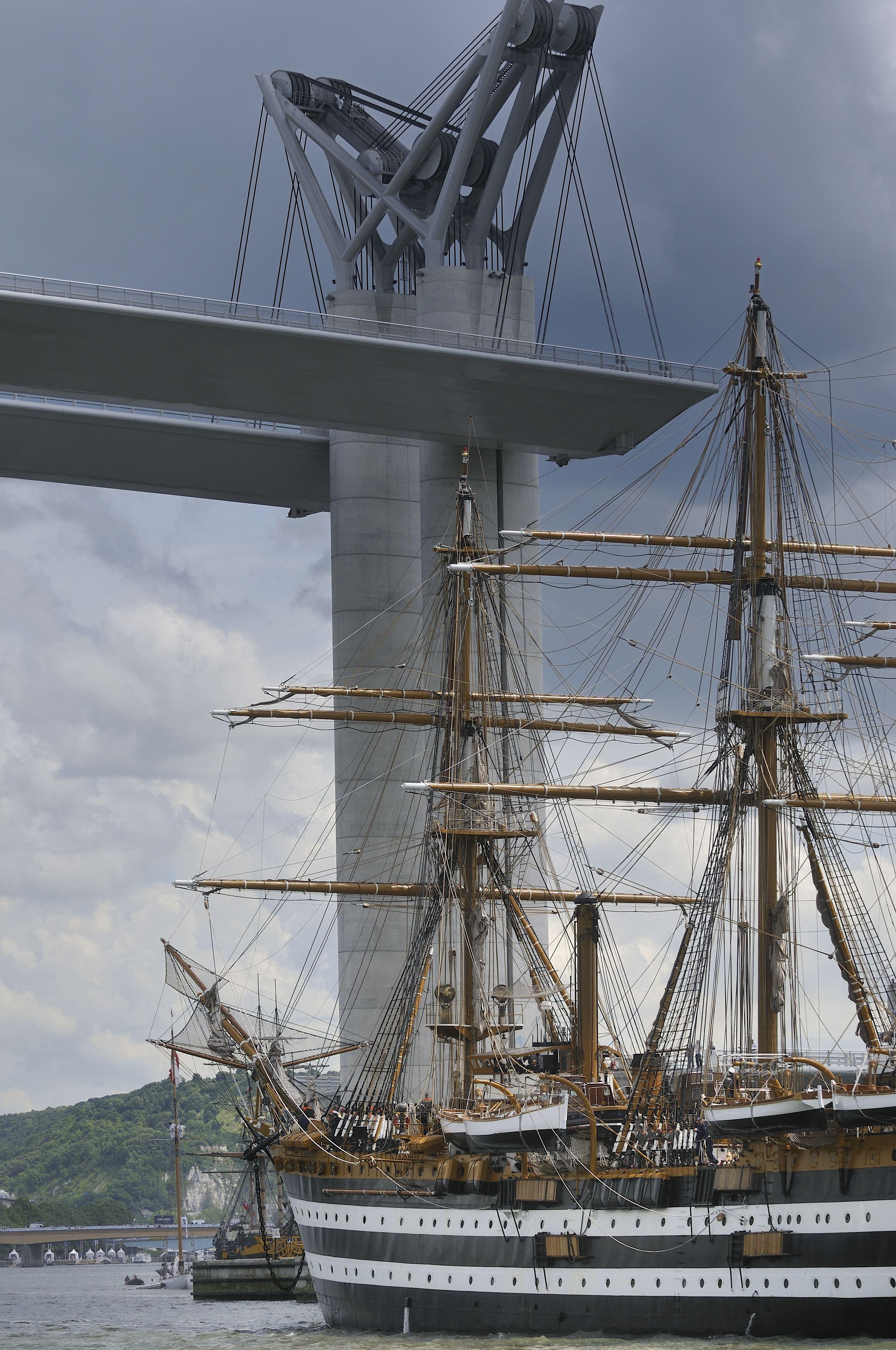 ! COMPLET ! Descente de Seine à bord de la vedette Océanite 16 juin ! COMPLET !
