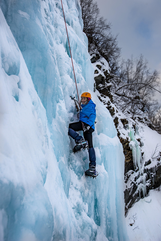 Ice climbing in Lyngen - Departure Tromsø 08:45