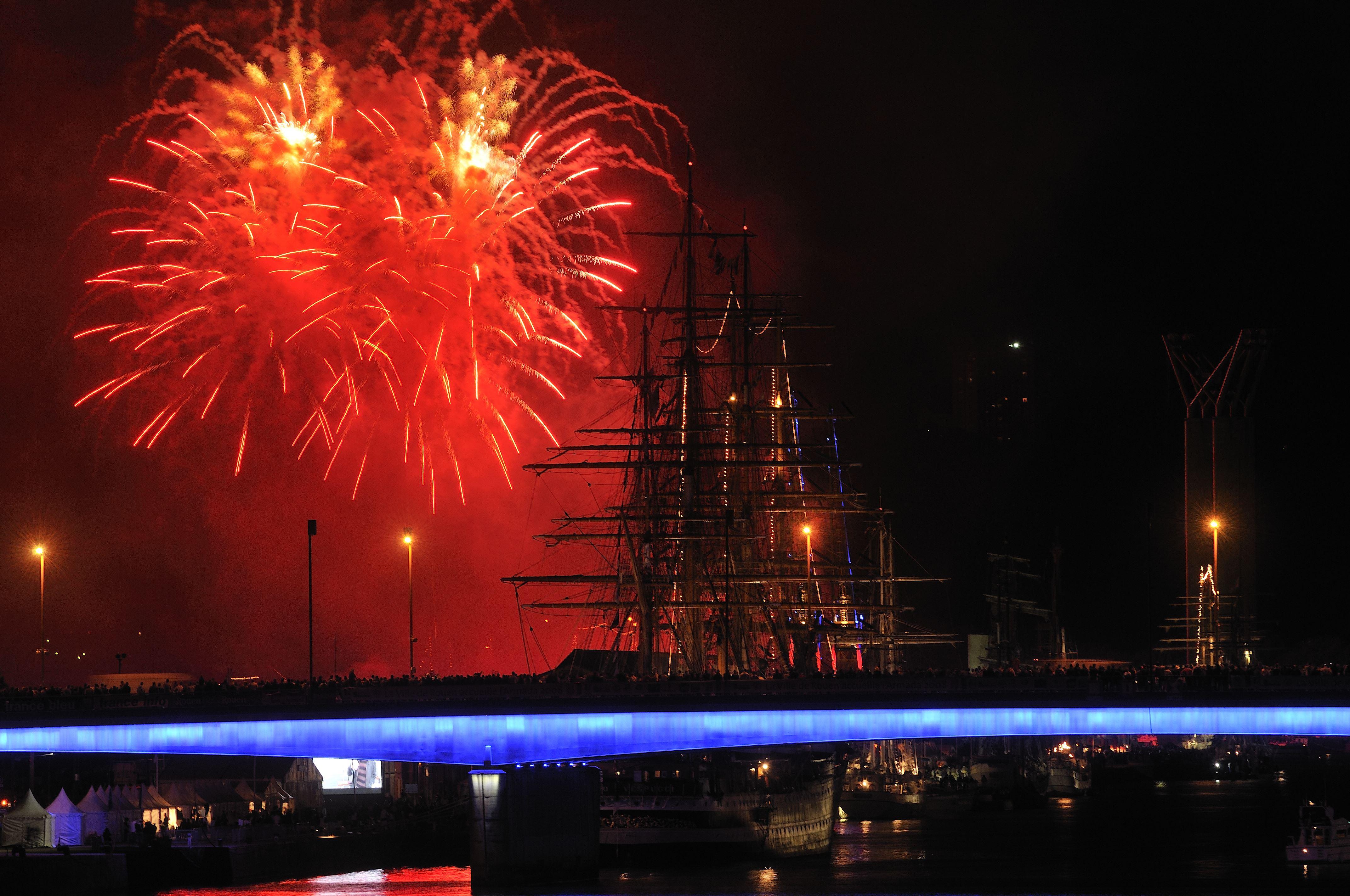 ! COMPLET ! Croisière feu d'artifice à bord de La Lutèce ! COMPLET !