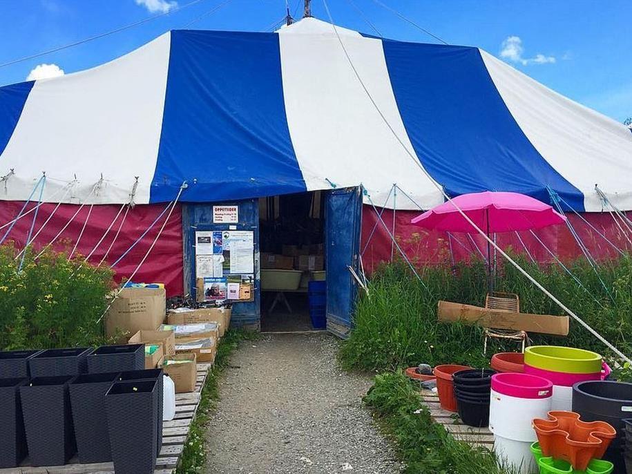 Le-We Varuhus (Tent)