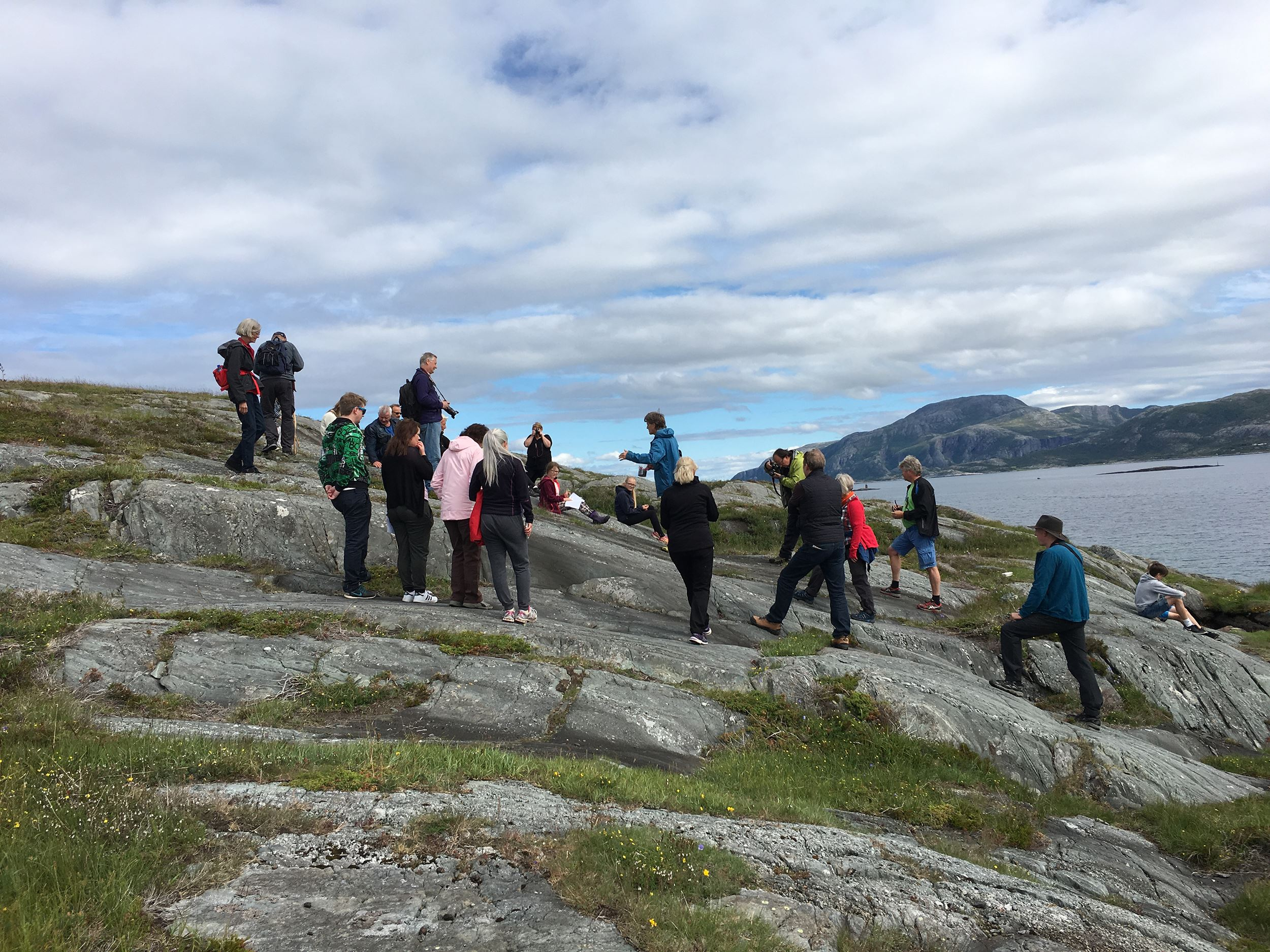Guided walk at Skeisnesset cultural trail