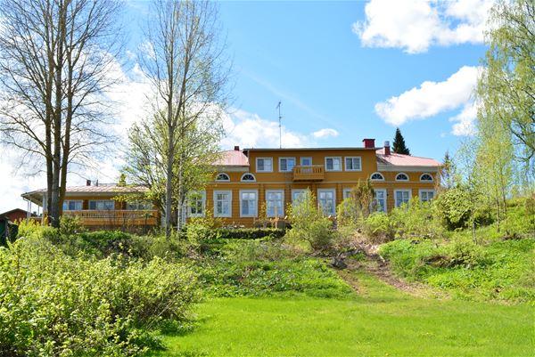 Vanha Tuusjärvi manor