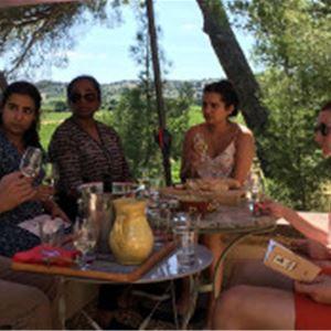 Visite du marché, vins et déjeuner au domaine avec Montpellier Wine Tours