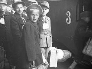 Hitförda av krigets stormar - finska krigsbarn i Gävleborg
