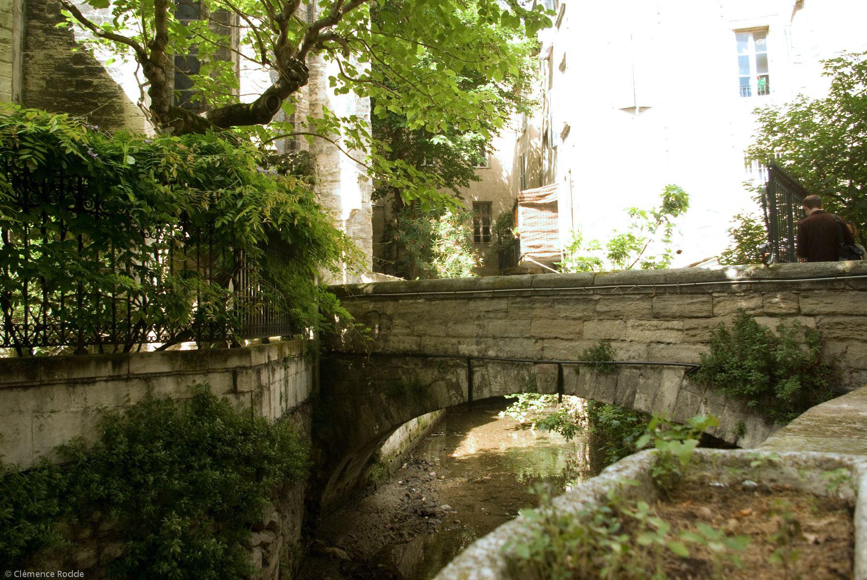 La place des Carmes, le quartier des italiens