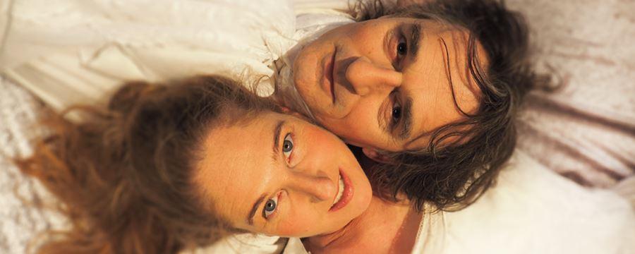 Émilie & Voltaire är en nyskriven helaftonsföreställning om upplysningstidens största kärlekspar, dramatikern och filosofen Voltaire och matematikern och fysikern Émilie du Châtelet.