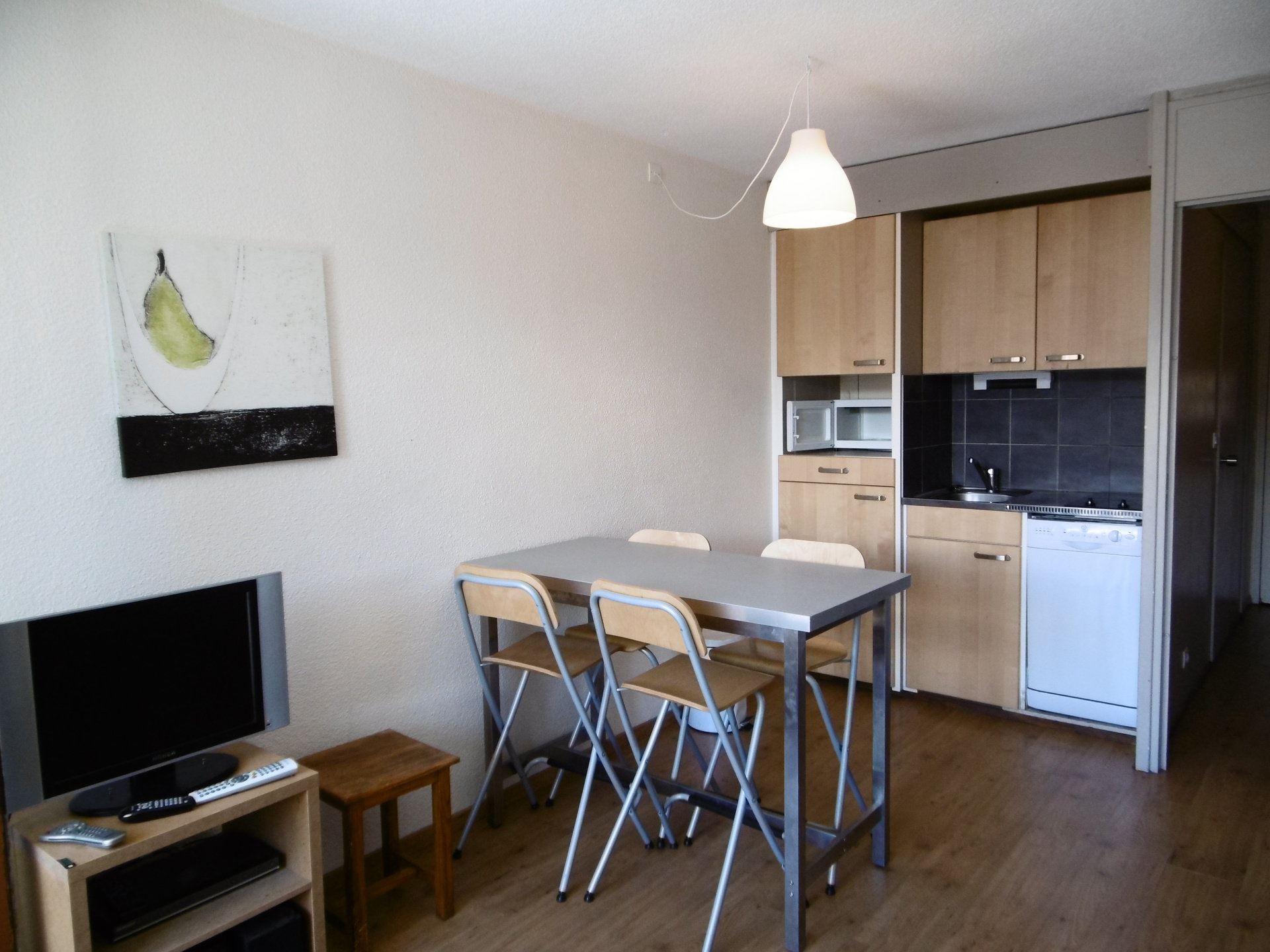 LA ROCHE BLANCHE 137 / 1 room 4 people