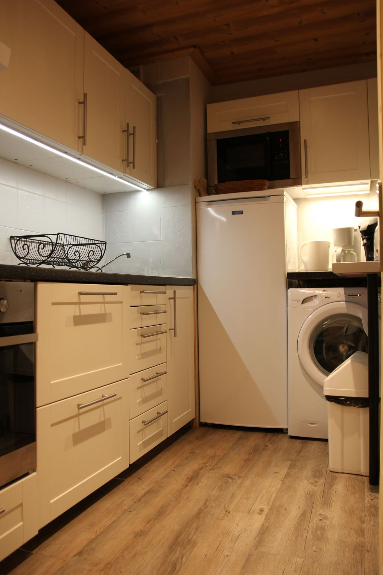 SERAC M9 / APARTMENT 4 ROOMS 8 PEOPLE - 3 SILVER SNOWFLAKES - CI