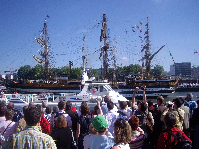 ! COMPLET ! Descente de Seine à bord de la vedette Joly France, 16 juin ! COMPLET !
