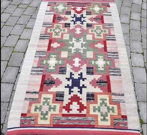 Utställning: Maja Wirde - Tunna trådar och stora mattor