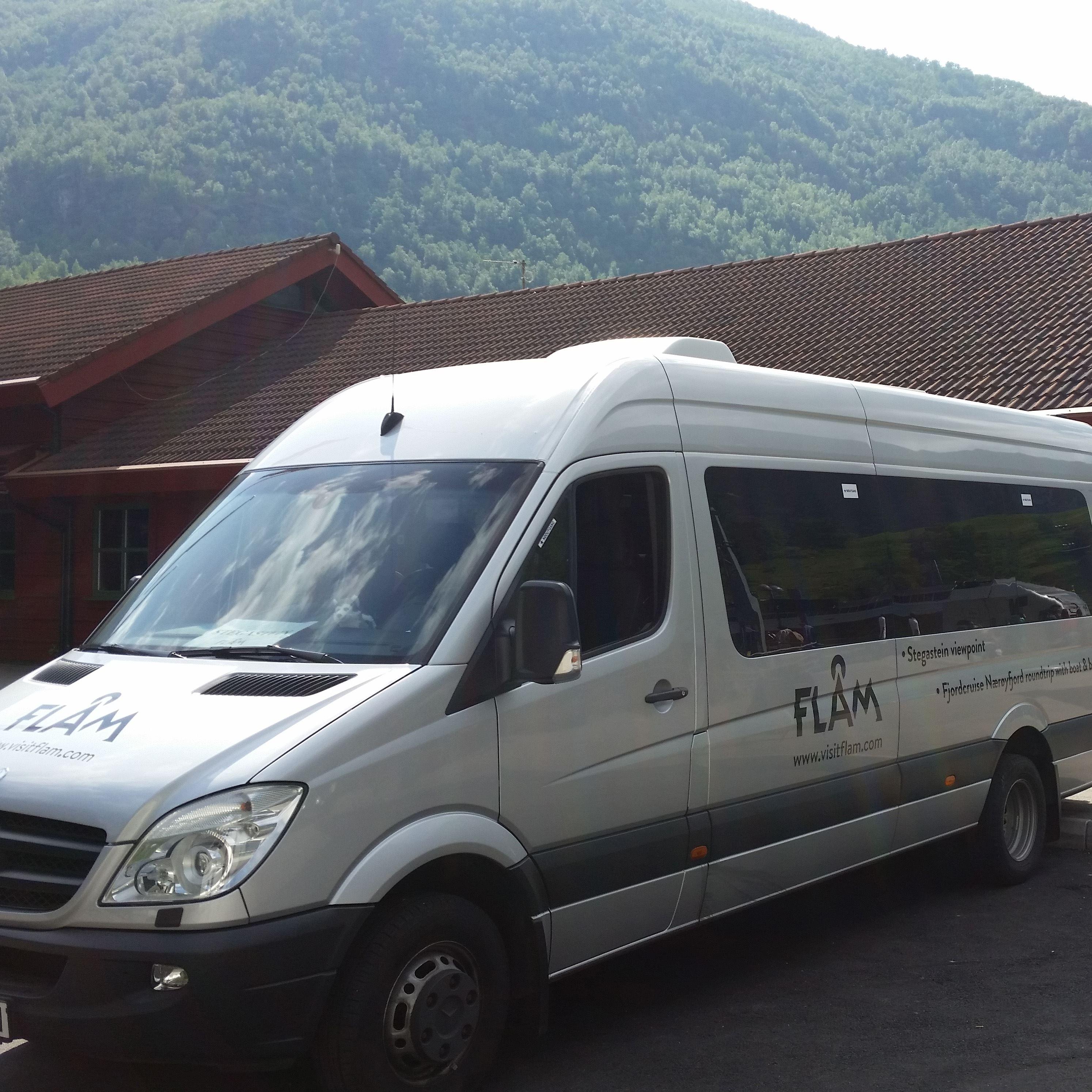 Shuttle bus Aurland - Flåm - Gudvangen