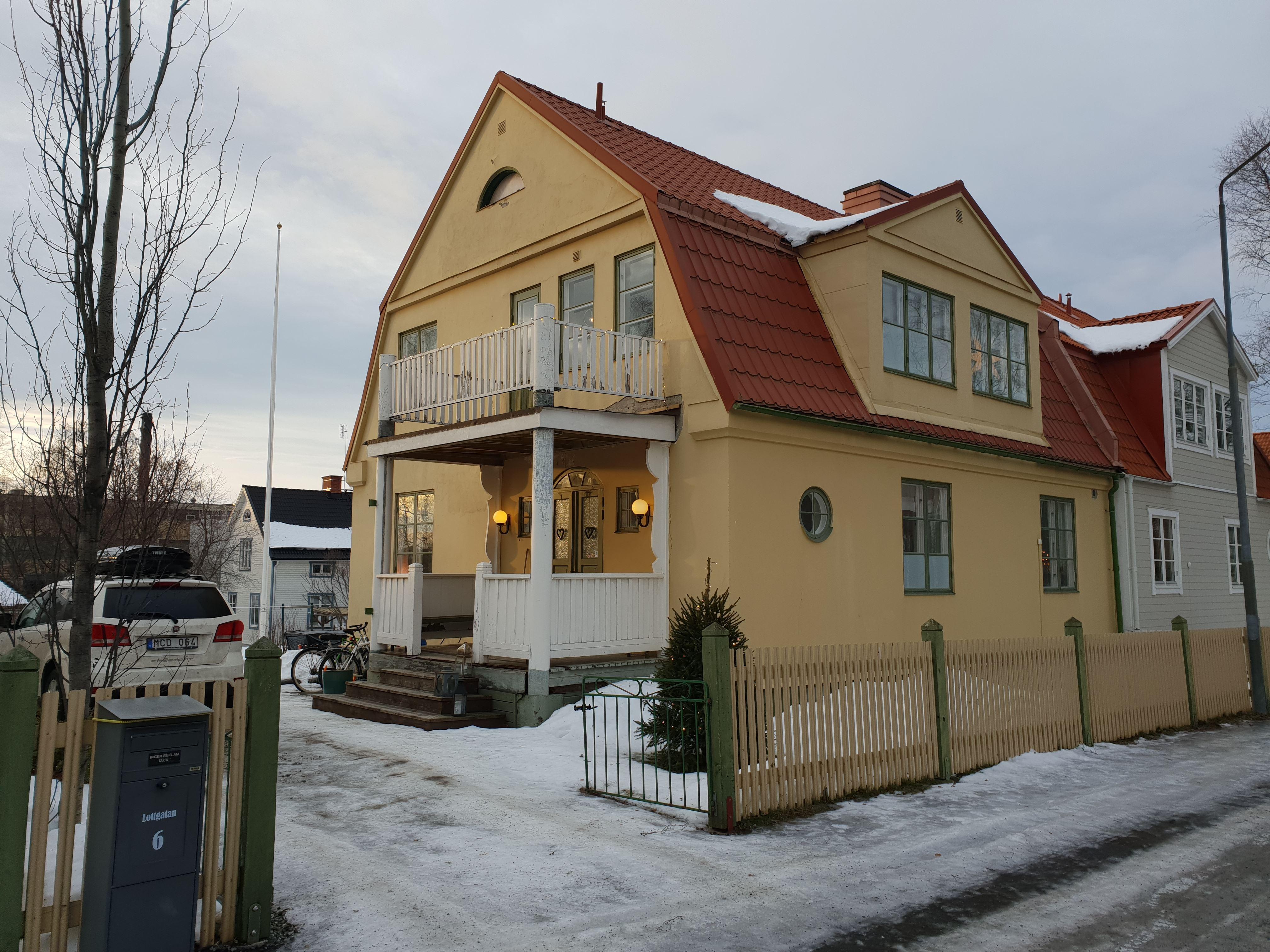 HV250 House in city centre