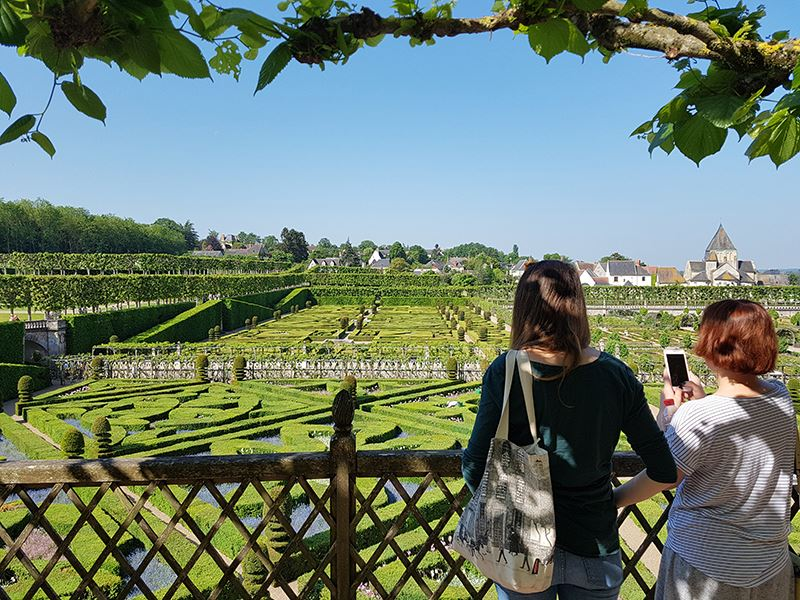 VILLANDRY CHATEAU AND GARDENS TOURS WITH LUNCH AT A PRIVATE CHATEAU