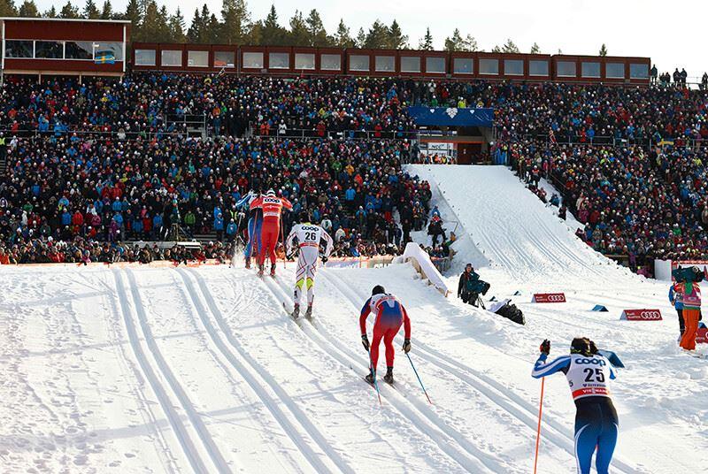 Foto: Ski Region,  © Copy:Ski Region , Skidåkare och publik