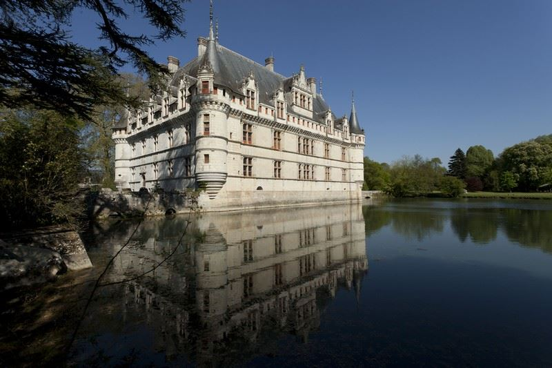 EXCURSION JOURNEE AZAY LE RIDEAU/VILLANDRY/USSE/LANGEAIS