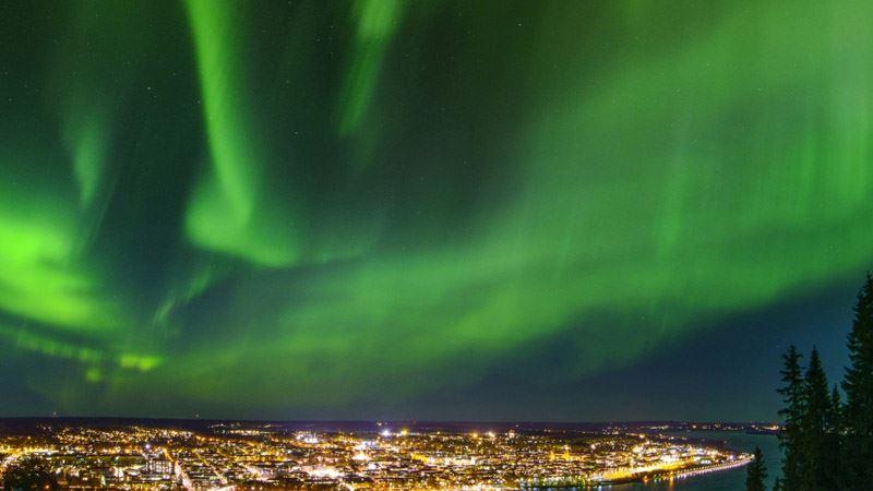 © Järnvägsmuseet, norrsken över stad