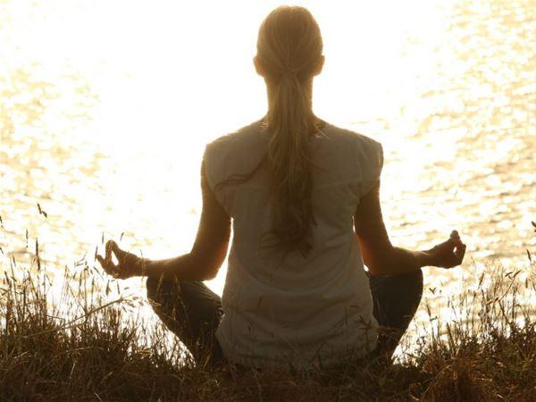 Meditativ vandring och sittande meditation vid Åsnen