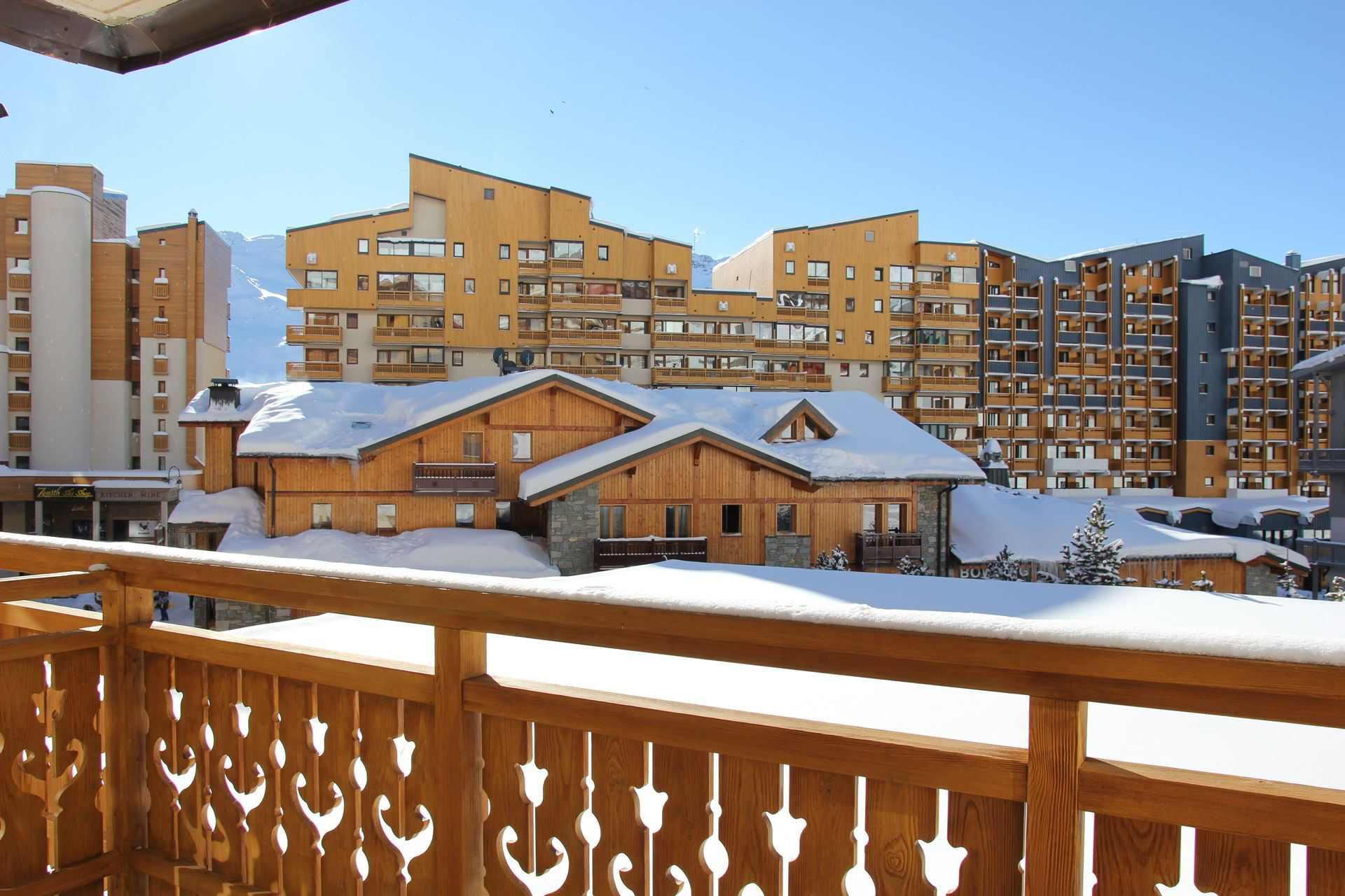 ROCHE BLANCHE 5 / STUDIO CABIN 4 PERSONS - 2 SILVER SNOWFLAKES - CI