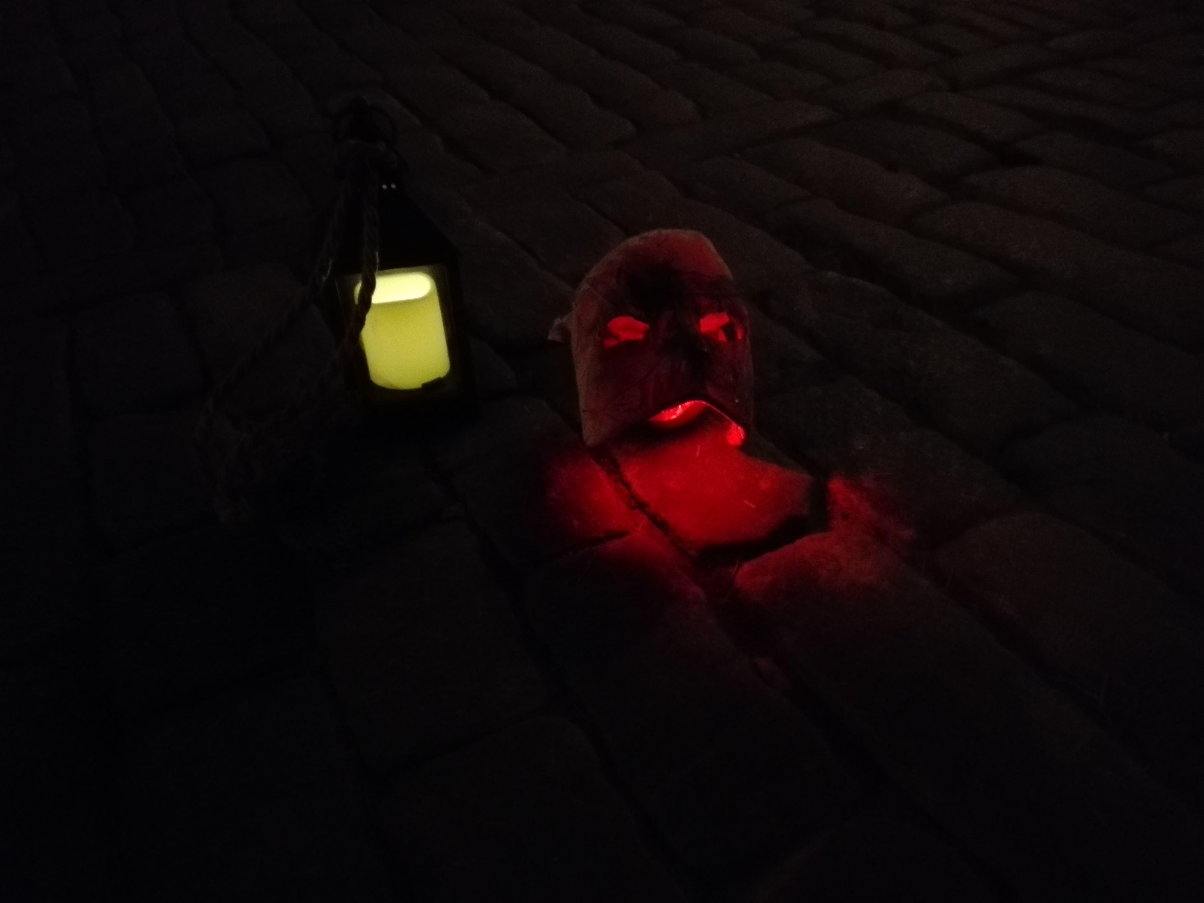 Gustaviansk spökvandring med champagne & choklad – Följ med in i spökhus.