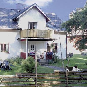 Bo på lantgård på Eriksgården