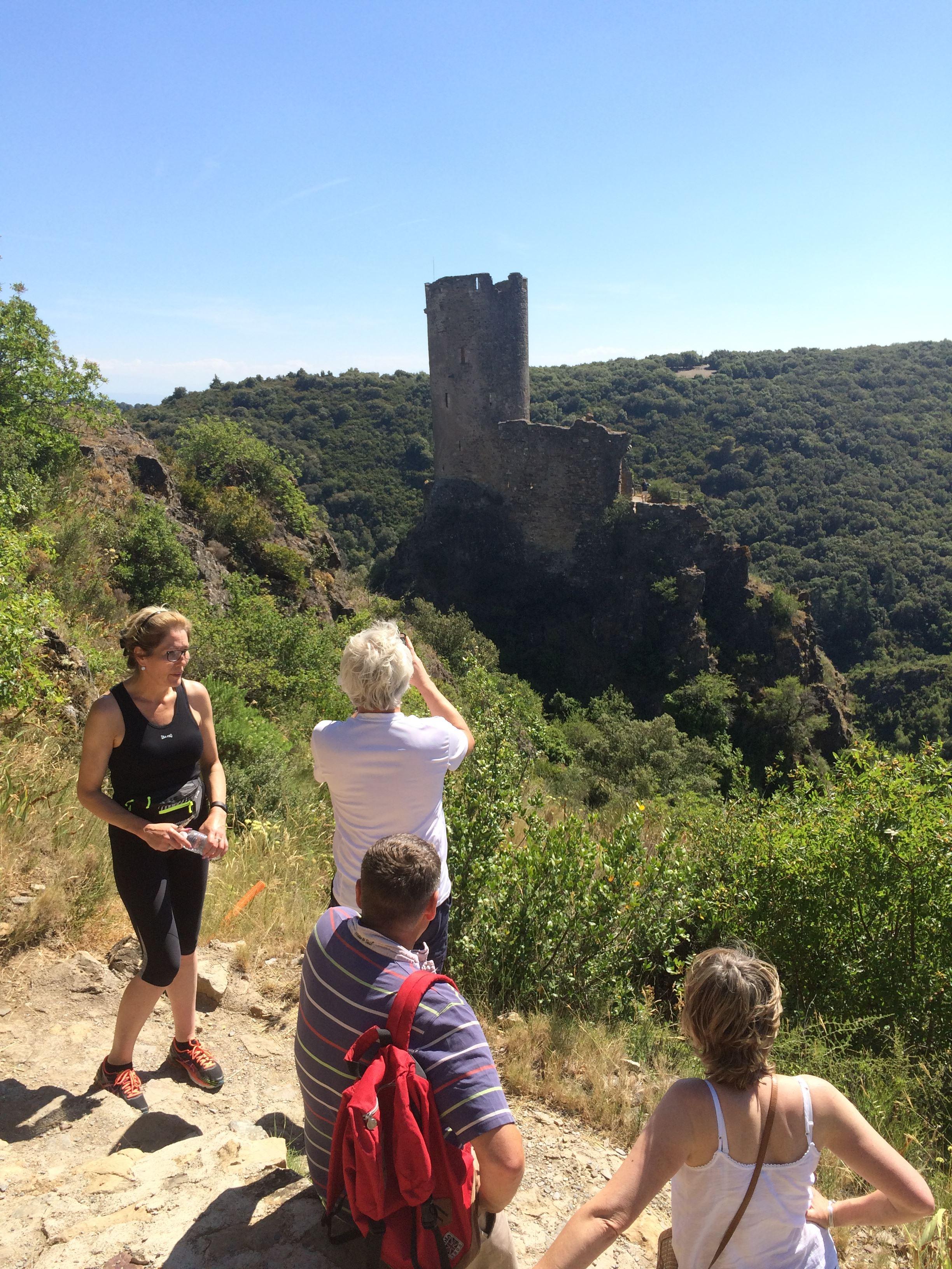 Excursion partagée en minibus - 1/2 Journée - Châteaux de Lastours - F/GB - Trésor Languedoc Tours