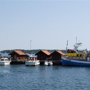 Stenriket Vätö (guidad båttur)