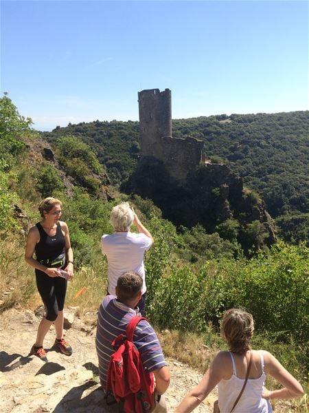 Excursion privée en minibus - 1/2 Journée - Châteaux de Lastours - F/GB - Trésor Languedoc Tours