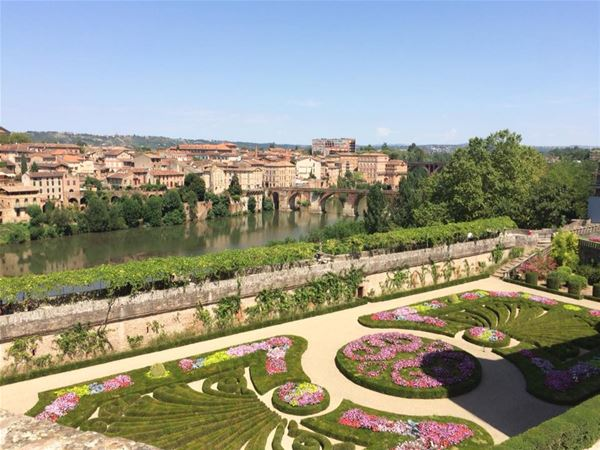 Day excursion by minibus - Visit of Albi and Cordes sur Ciel - Shared excursion - F / GB - Treasure Languedoc Tours
