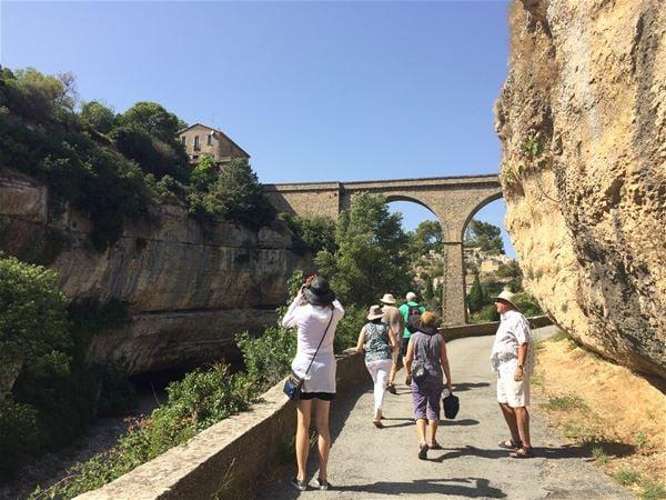 Excursion partagée en minibus - Journée - Château de Lastours, Minerve, dégustation de vins & Canal du Midi - F/GB - Trésor Languedoc Tours