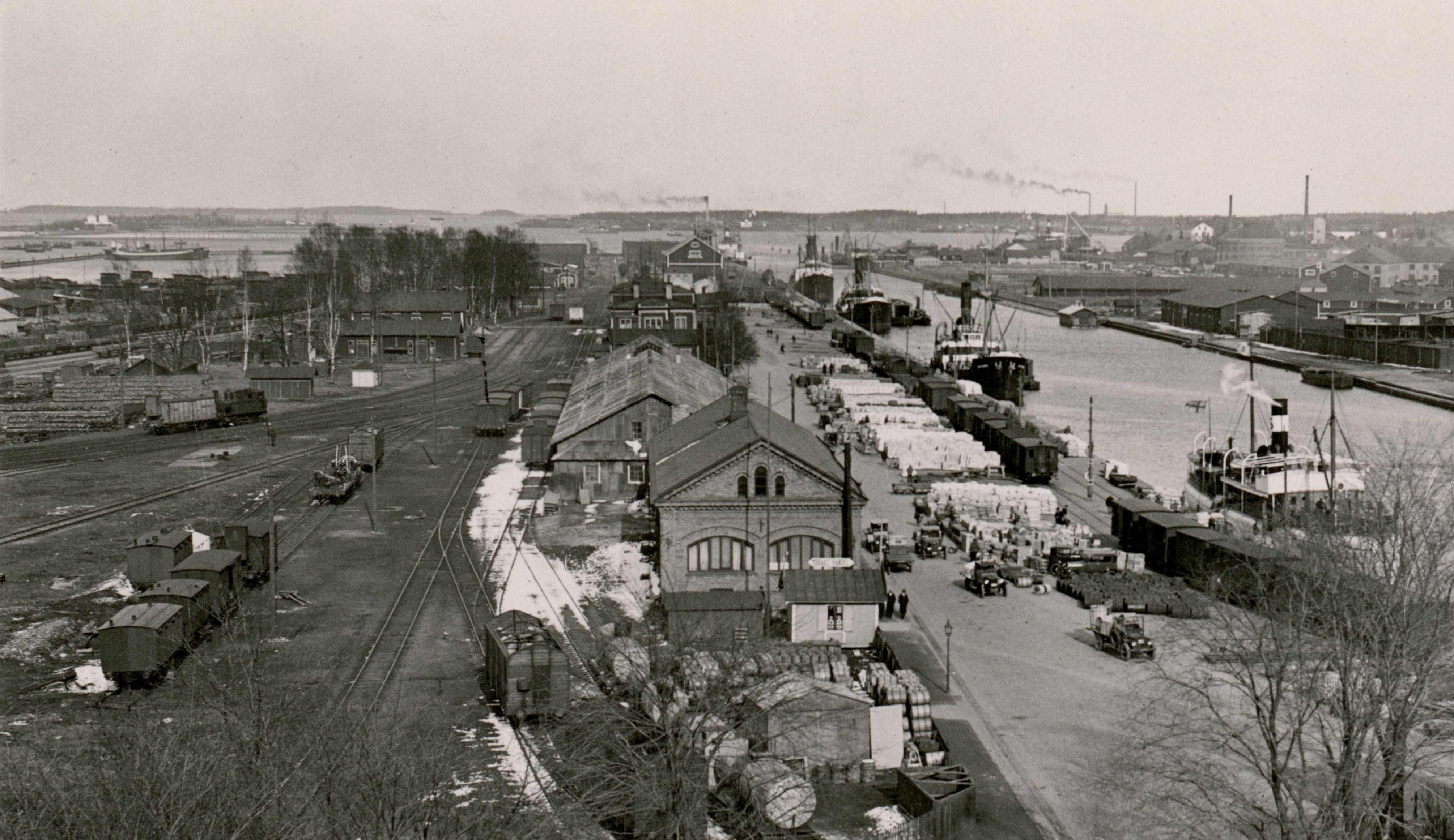 Carl Larsson, Vy över Norra Skeppsbron, Alderholmen. Sent 1920-tal.