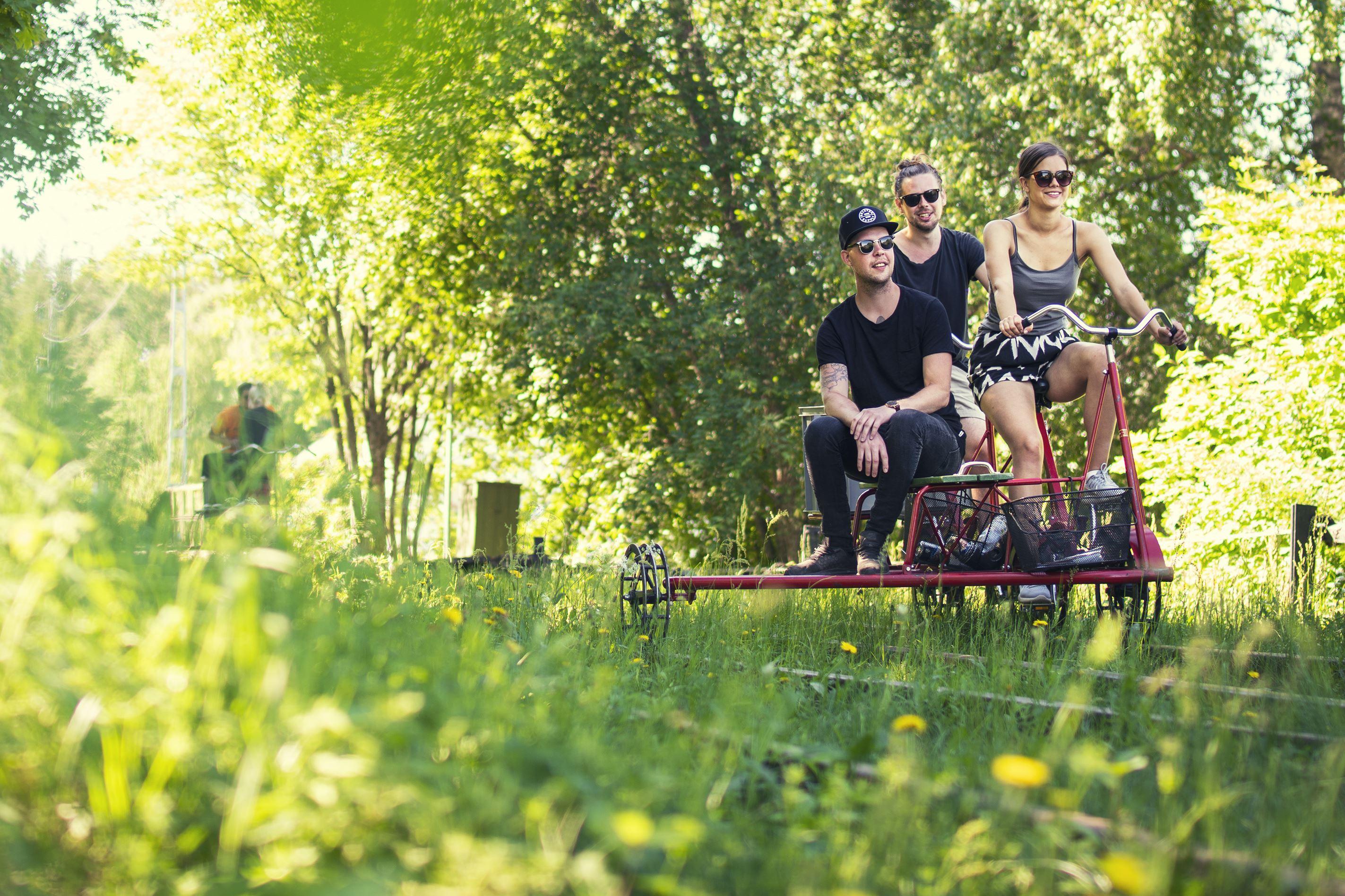 Robert Jonsson,  © Destination Järvsö, Cykla dressin på Dellenbanan
