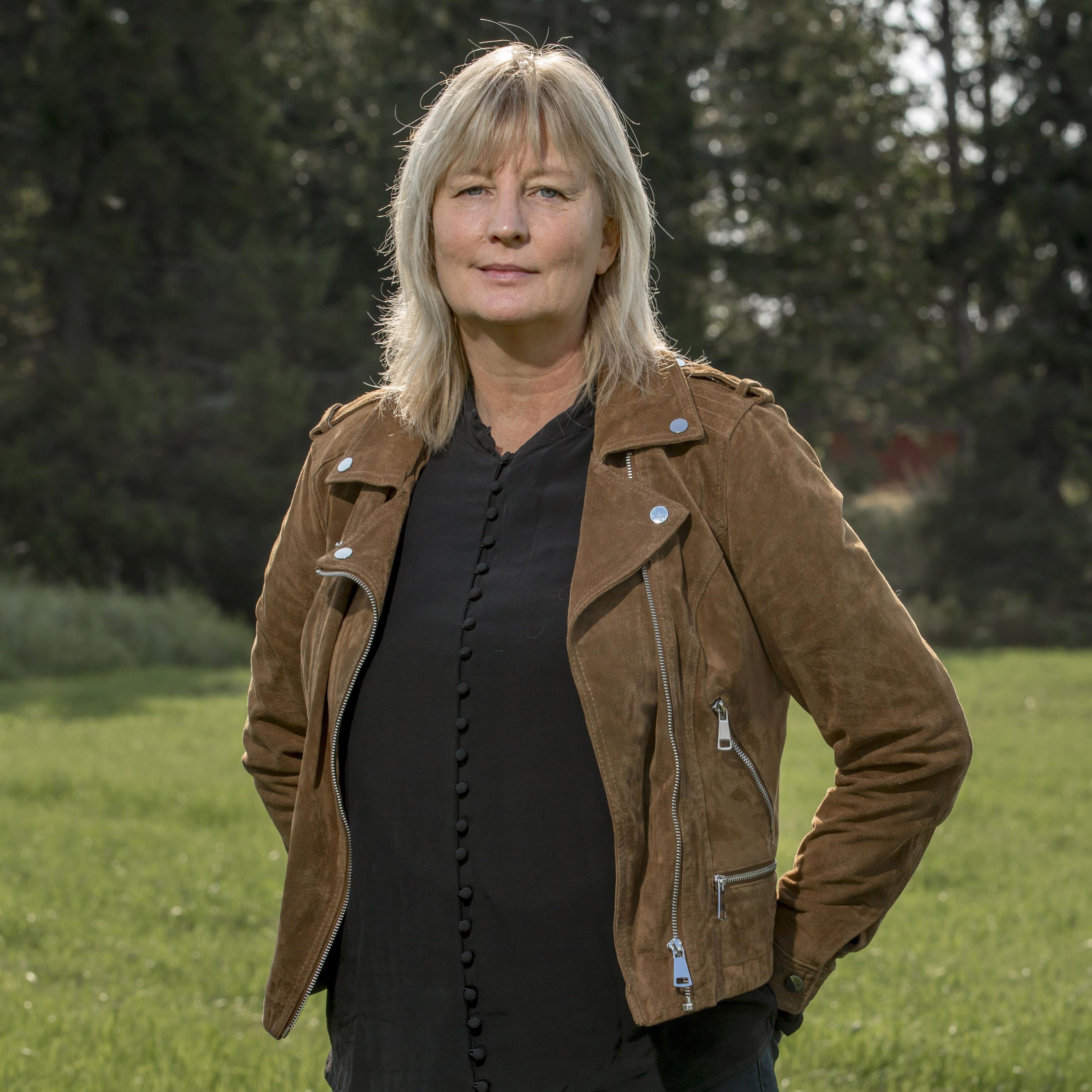 Bokcirkelfest med författarbesök – Karin Smirnoff