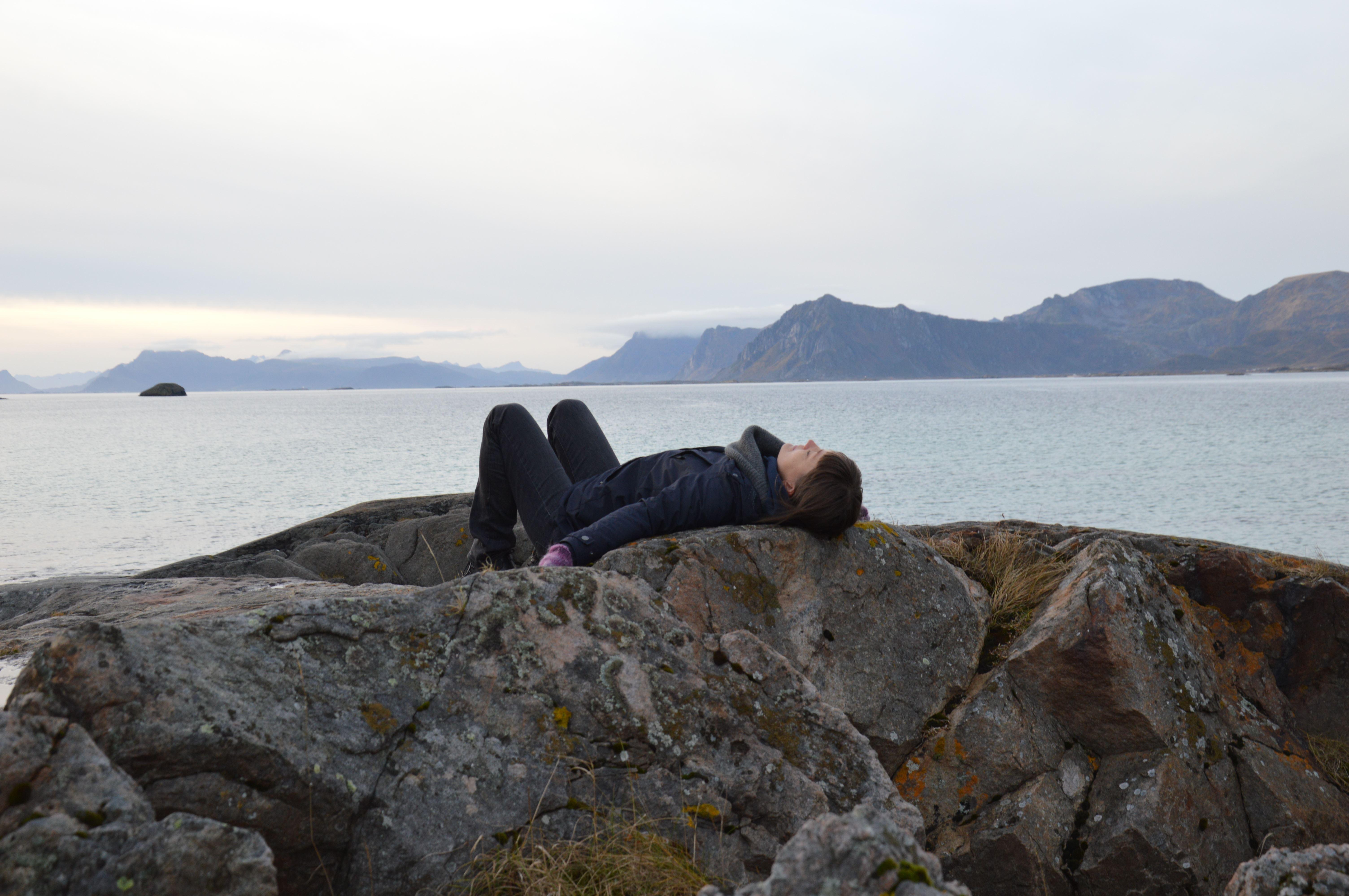 Min Yoga Lofoten,  © Craig Malpass, Verdien av hvile / Workshoper med Siw Aduvill i Lofoten