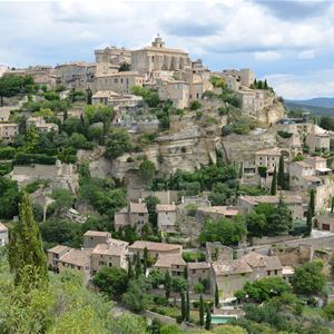 Five classified villages in the Luberon: Gordes, Roussillon, Ménerbes, Lacoste and Lourmarin