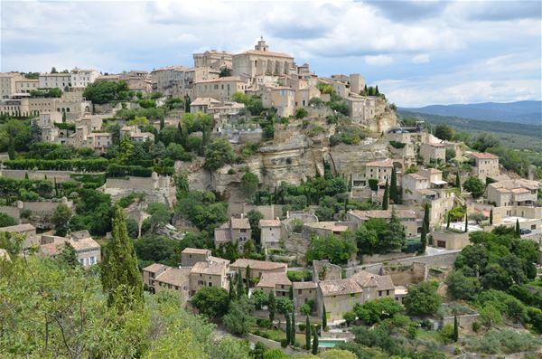 Cinq villages classés du Luberon : Gordes, Roussillon, Ménerbes, Lacoste et Lourmarin.