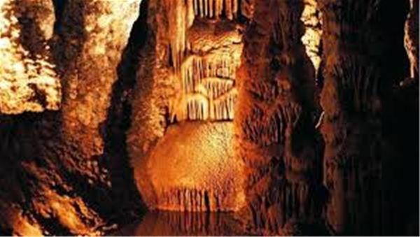 Excursion en minibus - Voyage en Cabardes Minervois - Au pays des Grottes et du Marbre - Suntour
