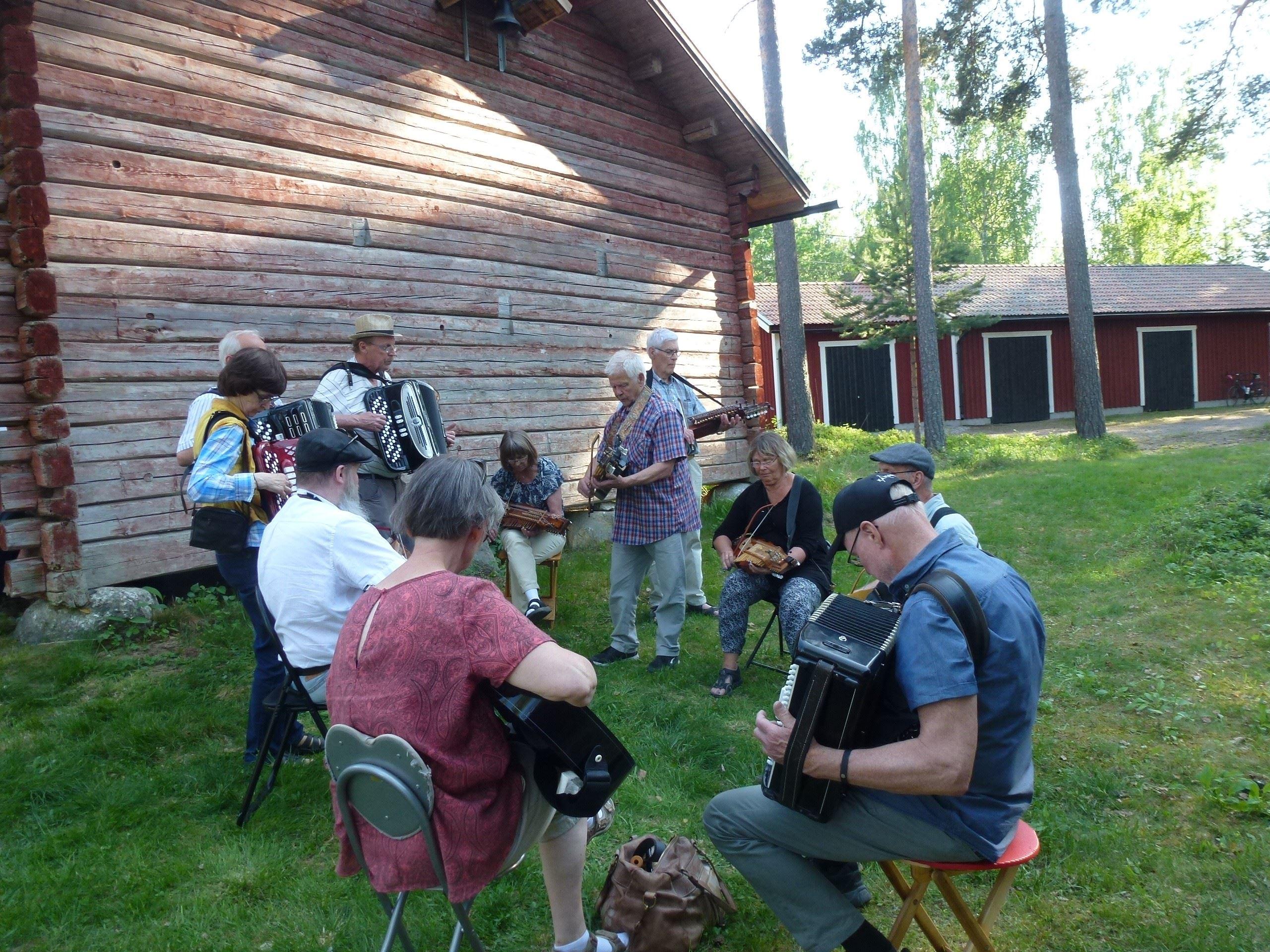 Dans- och spelträff på Hembygdsgården Sunnansjö
