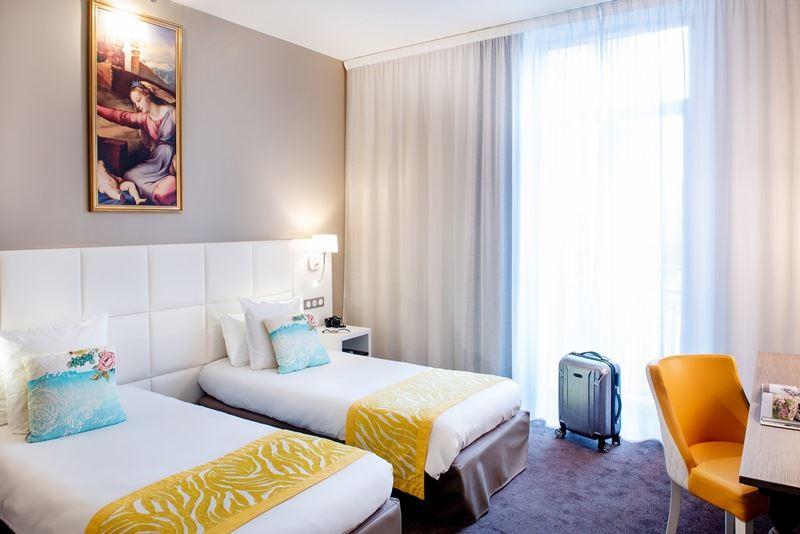 © hotelGallia&Londres, HPH126 - Hôtel-Spa stylé « Grand Siècle » dans un parc vue sur le Sanctuaire à Lourdes
