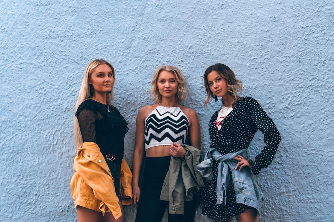 Husebymusiken - Small Town Girls